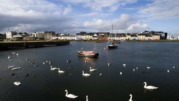Boats at Galway Harbour_master-min